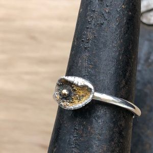 A NEW Sterling Silver Oyster ring! Size 5